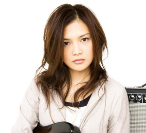 yui_again_promo_picture_2.jpg